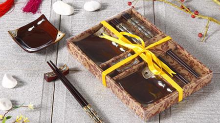 木筷子、陶瓷架、陶瓷碟子餐具套装