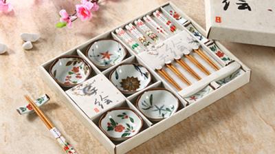手绘陶瓷碟、筷架、木筷子餐具套装