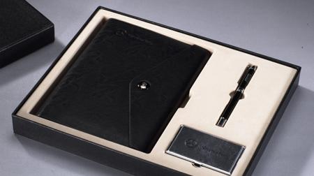 仿超纤牛皮纹活页笔记本、金属签字笔、金属贴皮名片盒