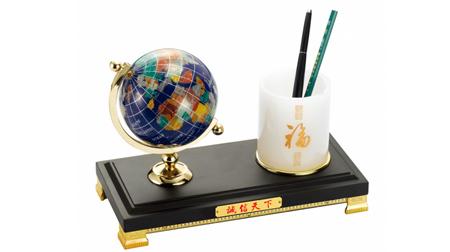 仿红木,合金,塑胶兰色地球笔筒、笔台