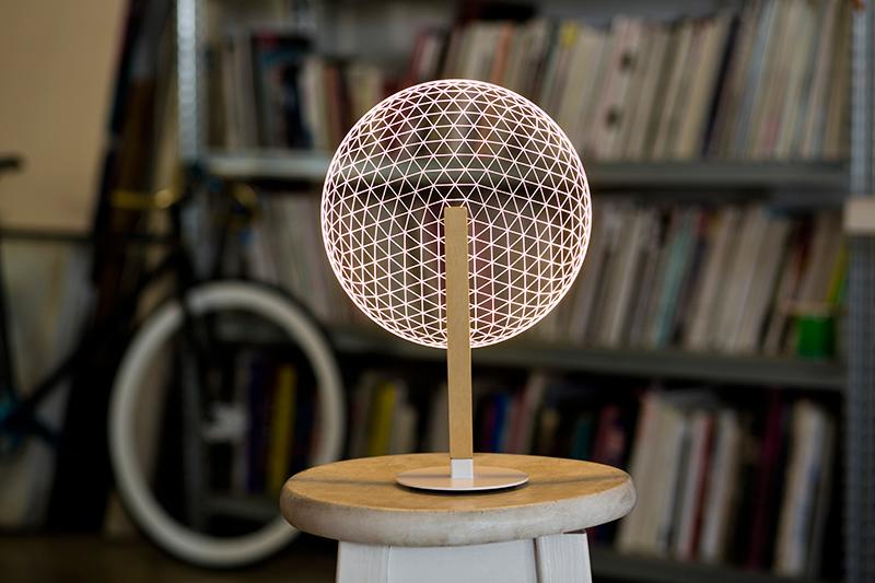 立体桌面台灯 球形